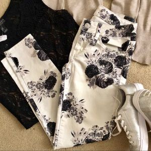 AEO Black/White floral denim skinny pants
